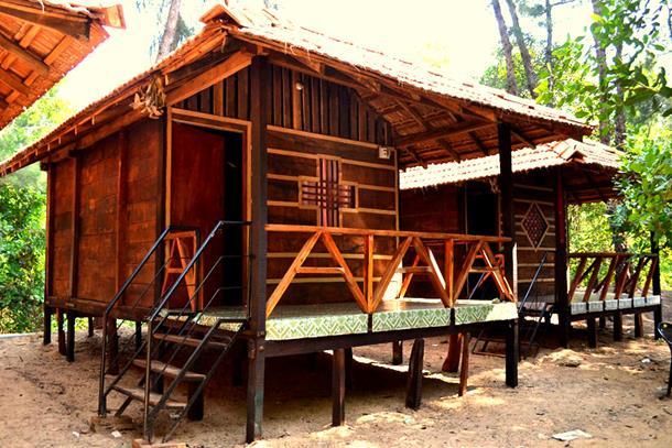 Beach shacks and huts, Gokarna