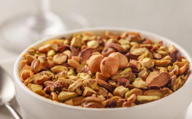 Comprises of almonds, pistachios, raisins