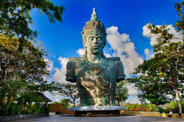 Copper statue of Lord Wisnu