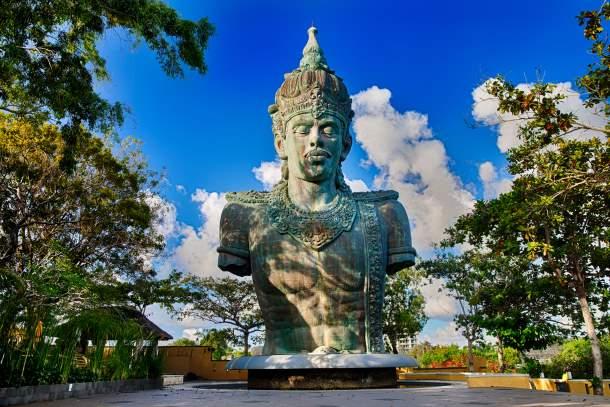 Copper statue of Lord Wisnu