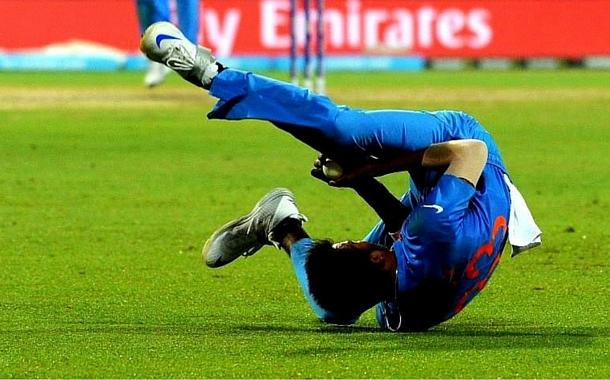 Hardik Pandya's super catch at the ICC T20 WC 2016