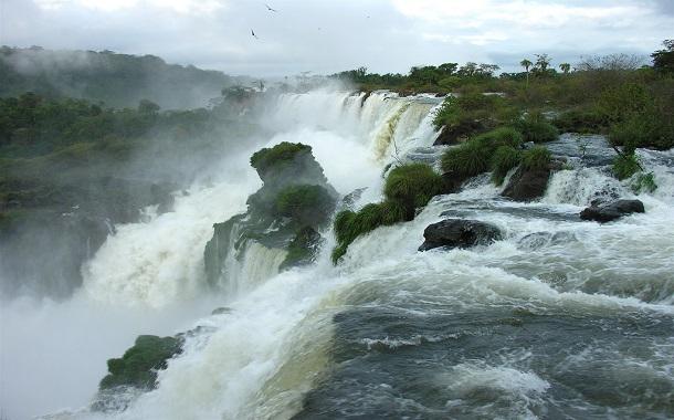 Iguazu Falls, boundary between Argentina and Brazil