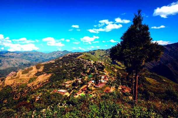 Longwa - one village, two countries