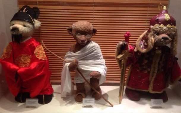 Teddy bears of historical figures