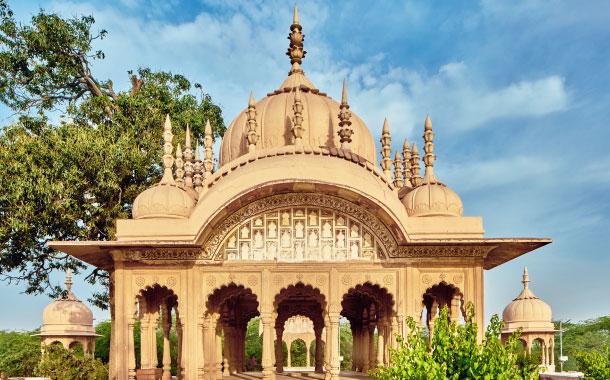 Temple near Kusum Sarovar