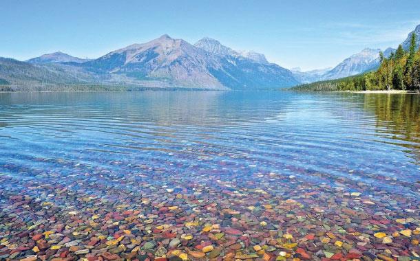 The Coloured pebbles of Lake Mc Donald
