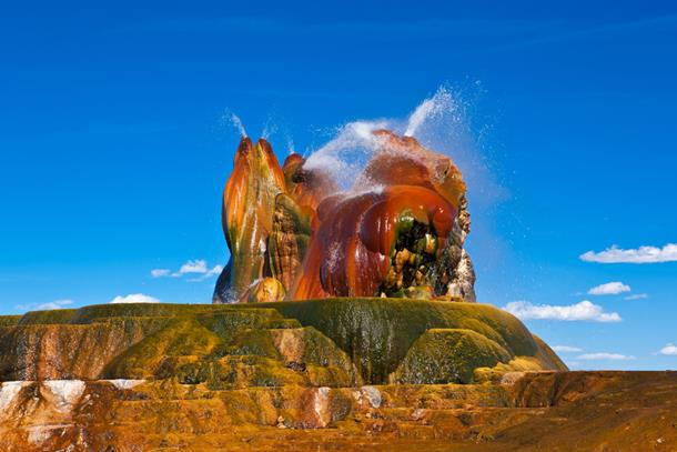 The colourful geyser in Nevada