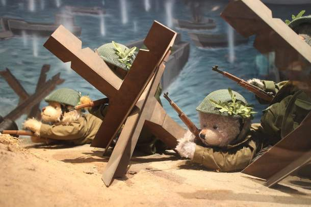 The War of the teddy bears