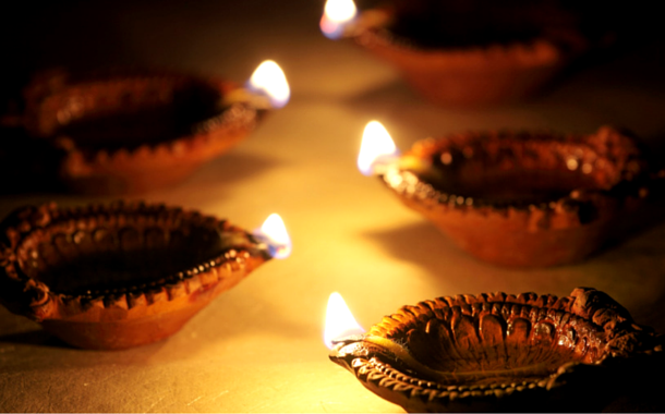 5 Reasons You Need To Spend Diwali At Home